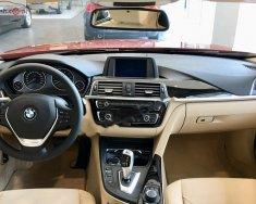 Bán BMW 3 Series 320i sản xuất 2019, màu đỏ, nhập khẩu nguyên chiếc giá 1 tỷ 689 tr tại Nghệ An
