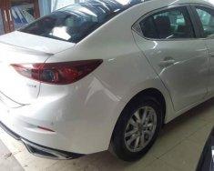 Cần bán xe Mazda 3 đời 2018, màu trắng, nhập khẩu nguyên chiếc giá 350 triệu tại Hà Nội