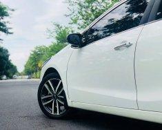 Cần bán xe Kia Cerato 2017 số tự động màu trắng chính giá 566 triệu tại Tp.HCM