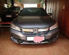 Gia đình cần bán xe Honda Accord 2018, số tự động, màu xám, giá 1 tỷ 65 tr tại Tp.HCM