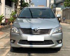 Cần bán xe Innova 2012, số sàn, màu bạc, còn mới tinh giá 483 triệu tại Tp.HCM