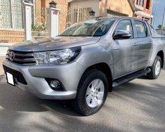 Cần bán xe Toyota Hilux 2016 máy dầu số sàn, màu bạc chính chủ giá 497 triệu tại Tp.HCM
