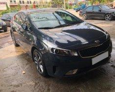 Nhà em cần bán xe Kia Cerato 1.6AT 2017 màu xanh đen giá 522 triệu tại Tp.HCM