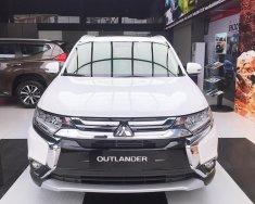 Cần bán Mitsubishi Outlander 2.0 CVT 2019, màu trắng, giao ngay giá 807 triệu tại Quảng Nam