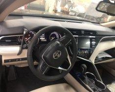 Bán xe Toyota Camry đời 2019, màu đen, xe nhập giá 1 tỷ 29 tr tại Tp.HCM