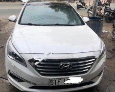 Bán Hyundai Sonata 2.0 AT năm sản xuất 2015, màu trắng, xe nhập giá 800 triệu tại Tp.HCM