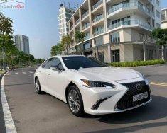 Cần bán xe Lexus ES 250 đời 2019, màu trắng, nhập khẩu nguyên chiếc như mới giá 2 tỷ 600 tr tại Tp.HCM
