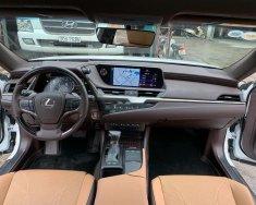 Cần bán Lexus ES 250 đời 2019, màu trắng, nhập khẩu nguyên chiếc giá 2 tỷ 600 tr tại Tp.HCM