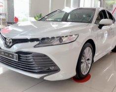 Bán ô tô Toyota Camry 2.5Q sản xuất 2019, màu trắng, nhập khẩu nguyên chiếc giá 1 tỷ 235 tr tại Tp.HCM