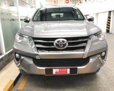 Cần bán lại xe Toyota Fortuner V đời 2017, màu bạc, số tự động giá 1 tỷ 110 tr tại Tp.HCM
