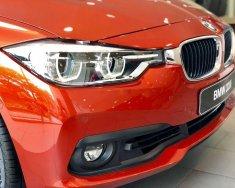 Bán BMW 3 Series 320i đời 2019, ưu đãi cực lớn giá 1 tỷ 220 tr tại Tp.HCM