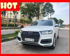 Bán xe Audi Q7 2.0 model 2018 màu trắng nội thất đen giá tốt. Trả trước 900 triệu nhận xe ngay giá 2 tỷ 889 tr tại Tp.HCM
