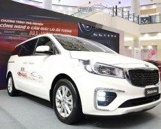 Bán xe Kia Sedona năm 2019, màu trắng giá 1 tỷ 99 tr tại Tp.HCM