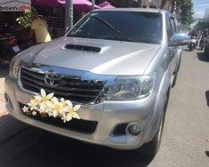 Cần bán gấp Toyota Hilux đời 2015, màu bạc giá 390 triệu tại Khánh Hòa