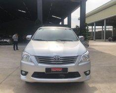 Cần bán gấp Toyota Innova 2.0E năm 2013, màu bạc số sàn, giá tốt giá 530 triệu tại Đồng Nai