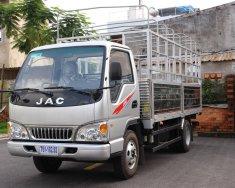 Xe tải JAC 2.4 tấn động cơ ISUZU thùng dài 4.4m. Trả trước 100 triệu nhận xe giá 365 triệu tại Tp.HCM
