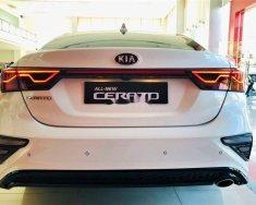 Bán ô tô Kia Cerato 2019, màu trắng, giá tốt giá 635 triệu tại Tp.HCM