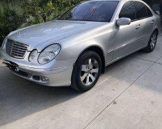 Cần bán gấp Mercedes E class đời 2003, màu bạc, xe nhập giá 280 triệu tại Tp.HCM