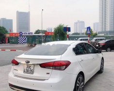 Bán Kia Cerato 2.0 AT đời 2017, màu trắng, giá 610tr giá 610 triệu tại Hà Nội