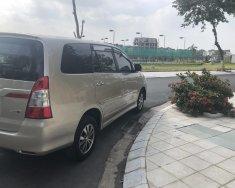 Cần bán lại xe Toyota Innova E đời 2015, màu vàng giá 480 triệu tại Hà Nội