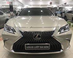 Bán ô tô Lexus ES 250 năm 2019, màu vàng, nhập khẩu giá 2 tỷ 595 tr tại Tp.HCM