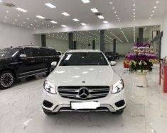 Bán Mercedes GLC 250 sản xuất 2018 màu trắng,lăn bánh 2,5 vạn km,nội ngoại thất như mới.giá siêu tốt. giá 1 tỷ 780 tr tại Hà Nội