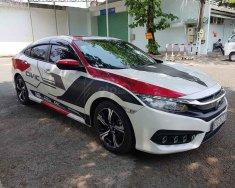Cần bán gấp chiếc Honda Civic 1.5 Turbo, sản xuất 2016, giá cạnh tranh, giao xe nhanh giá 745 triệu tại Hà Nội