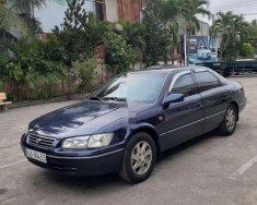Cần bán lại xe Toyota Camry năm sản xuất 2000, màu xanh lam giá 230 triệu tại Vĩnh Long