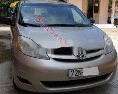 Cần bán xe Toyota Sienna đời 2009, màu vàng chính chủ giá cạnh tranh giá 650 triệu tại BR-Vũng Tàu