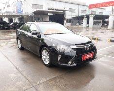 Cần bán gấp Toyota Camry 2.0E đời 2019, màu đen số tự động, giá 950tr giá 950 triệu tại Hà Nội