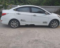 Cần bán Hyundai Accent Blue sản xuất năm 2013, màu trắng, nhập khẩu số tự động, giá 375tr giá 375 triệu tại Nghệ An