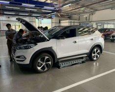 Bán Hyundai Tucson đời 2018, màu trắng giá 850 triệu tại Quảng Ngãi