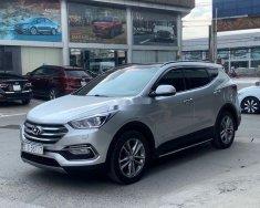 Bán Hyundai Santa Fe 2.4AT 4WD đời 2018, màu bạc như mới giá 956 triệu tại Tp.HCM
