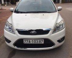 Cần bán xe Ford Focus 2013, màu trắng, chính chủ giá 350 triệu tại Bình Định