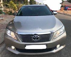 Cần bán Toyota Camry đời 2013, màu bạc giá 750 triệu tại Tp.HCM