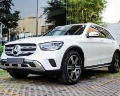 Bán ô tô Mercedes GLC 200 4 Matic năm 2020, màu trắng giá 2 tỷ 39 tr tại Hà Nội