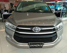 Bán xe giá ưu đãi với chiếc Toyota Innova 2.0E, sản xuất 2020, sẵn xe, giao nhanh giá 771 triệu tại Tp.HCM