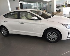 Cần bán Hyundai Elantra năm 2020, màu trắng, 555 triệu giá 555 triệu tại Quảng Nam