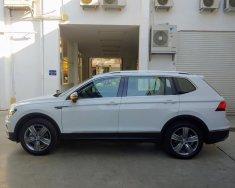 Volkswagen Tiguan xe Đức nhập khẩu nguyên chiếc - Mẫu SUV bán chạy nhất thế giới. Giảm ngay 120trieu. Sẵn xe giao ngay giá 1 tỷ 679 tr tại Quảng Ninh