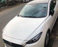 Cần bán Mazda 3 FL đời 2017, màu trắng chính chủ giá cạnh tranh giá 585 triệu tại Tp.HCM