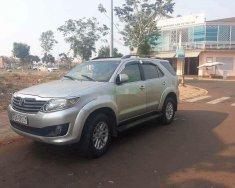 Cần bán xe Toyota Fortuner G MT đời 2012 xe gia đình giá 578 triệu tại Bình Dương