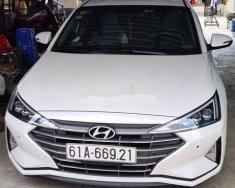 Bán Hyundai Elantra sản xuất năm 2019, màu trắng, xe nhập chính chủ, 690tr giá 690 triệu tại Tp.HCM