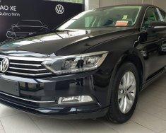 Volkswagen Passat màu đen, nhập khẩu nguyên chiếc tặng quà khủng kèm hỗ trợ trả góp 0% giá 1 tỷ 380 tr tại Hà Nội
