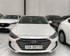 Cần bán lại xe cũ Hyundai Elantra năm sản xuất 2018, màu trắng, giá tốt giá 565 triệu tại Hà Nội