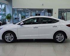 Cần bán xe Hyundai Elantra 2020, màu trắng giá 555 triệu tại Gia Lai