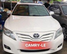 Bán Toyota Camry LE 2.5 năm 2010, màu trắng, giá 635tr giá 635 triệu tại Hà Nội