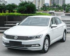 Cần bán Volkswagen Passat Comfort, tặng 100% phí trước bạ, tặng bảo hiểm thân vỏ, trả góp 0% lãi xuất năm đầu giá 1 tỷ 380 tr tại Quảng Ninh