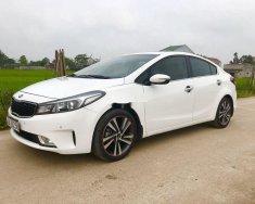 Cần bán gấp Kia Cerato đời 2017, màu trắng số tự động, giá chỉ 535 triệu giá 535 triệu tại Nghệ An