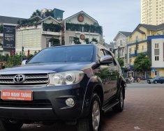Cần bán lại xe Kia Sedona 2.2 năm 2018, màu đen, số tự động, giá chỉ 890 triệu giá 890 triệu tại Hà Nội