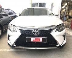 Bán ô tô Toyota Camry sản xuất 2016, màu trắng, giá tốt giá 820 triệu tại Tp.HCM